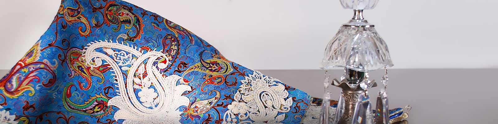 رومیزی سرمه دوزی (هنر دست)